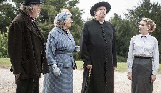 """El """"Padre Brown"""" vuelve a resolver los misterios de sus feligreses"""