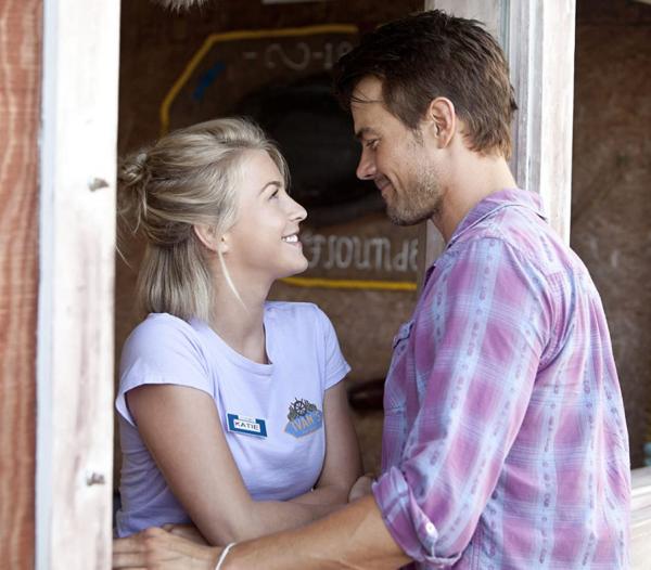Celebra el mes del amor en casa con AMC